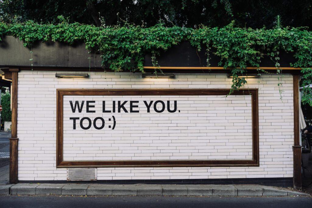banner we like you